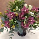Flori: craspedia, alstroemelia, cymbidium(orhidee) și solidago; Preț: 278 lei.