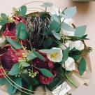 Flori: protea și lalele; Preț: 137 lei.